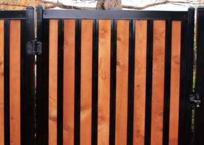 FenceTrac Gate Detail w/ H-TRAC