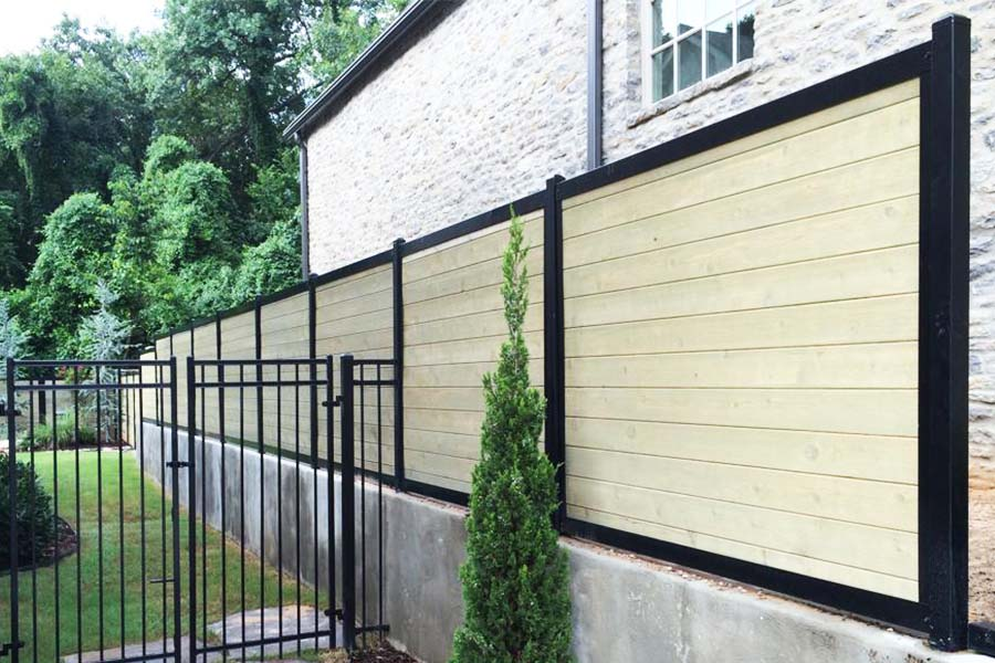 FenceTrac Horizontal Wood Fence With Metal Posts