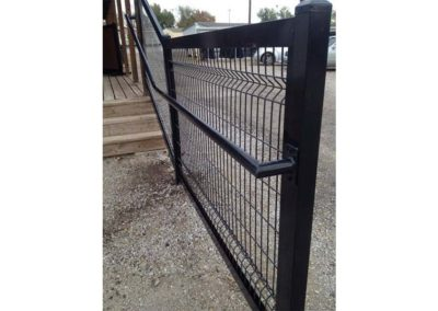 Welded Wire Commercial Fence With Handrail