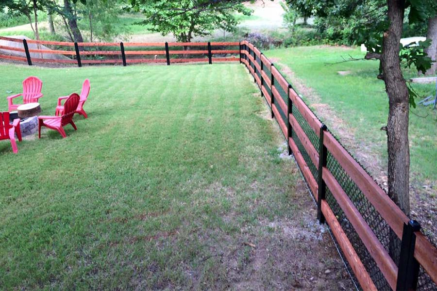 Ranch Rail Fence With Metal Posts