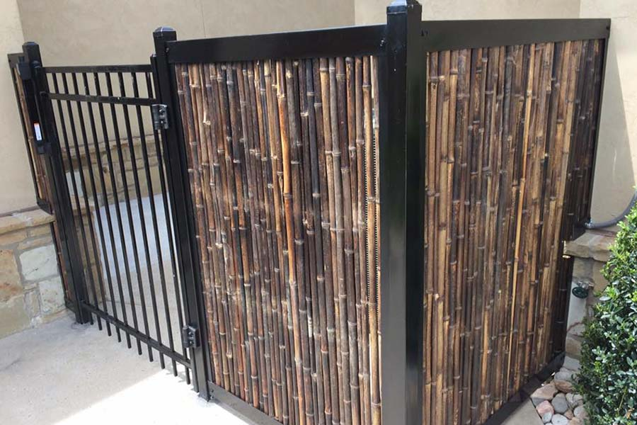 FenceTrac Bamboo Privacy Fence With Black Metal Frame