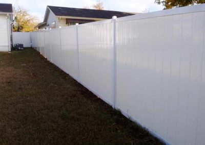 White Vinyl Privacy Fence Metal Posts