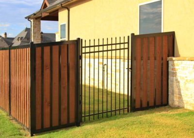 Privacy Fence Iron Gate