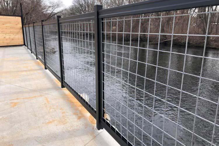 Hog Wire Fence Railing